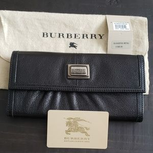 Burberry clutch/wallet